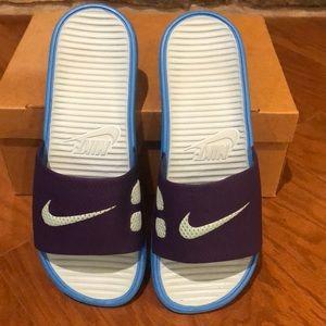 ⚡️NWOT Nike Slides size-10 ⚡️